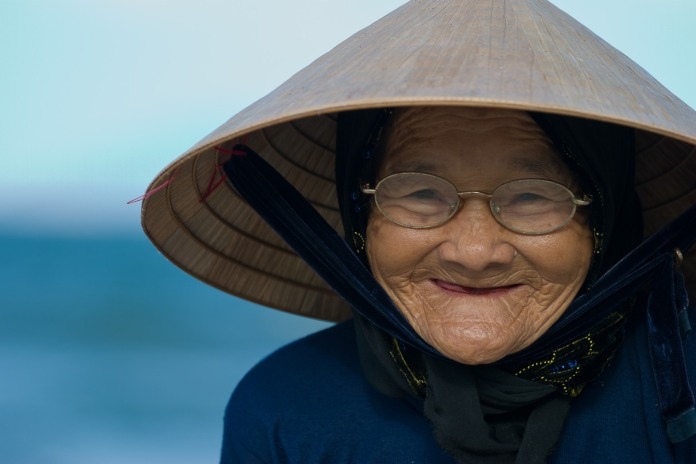 ical_asian_hat-demographics_of_vietnam-face-facial_expression-headgear-list_of_headgear-old_age-portrait-portrait_photography-smile-woman-women_in_vietnam