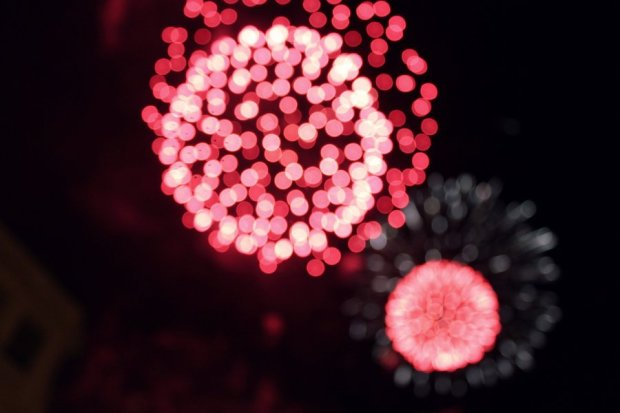 unfocused_fireworks_by_challengeaccepted-d56jv0p